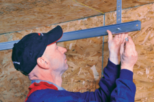 Don't try that garage door repair yourself, call a specialist! Here are 5 good reasons why…