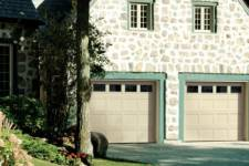 Want some TRADITIONAL Garage Door Inspiration? This is the right place!